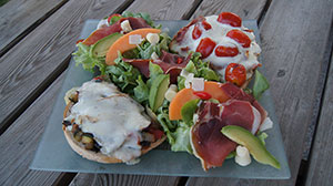 Bruschetta salade pour services à disposition